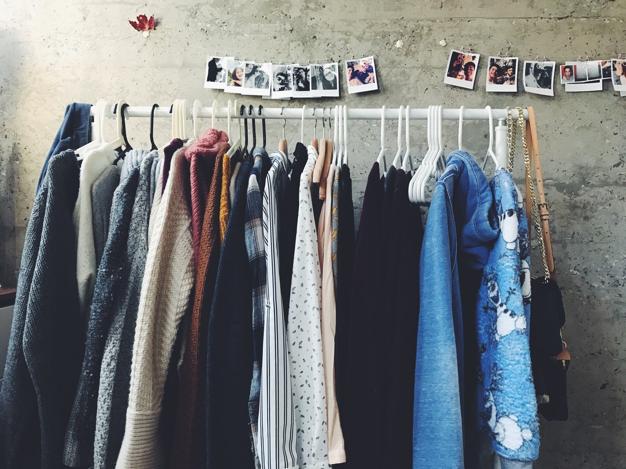 Selling second-hand cloths